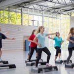Sportunterricht in der Sporthalle