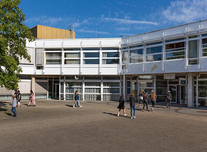 Haupteingang der Hauswirtschaftlichen Schule Waiblingen